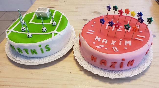Verjaardagstaart van biscuit, boterroom en suikerglazuur 1