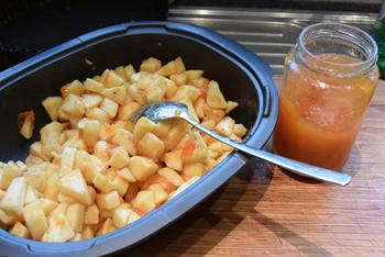 Appeltaart met abrikozeconfituur en amandelschilfers 2