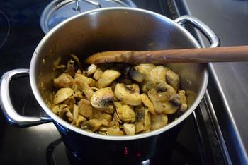 Fusilli met spinazie, champignons, Boursin en kipfilet. 4