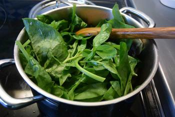 Fusilli met spinazie, champignons, Boursin en kipfilet. 5