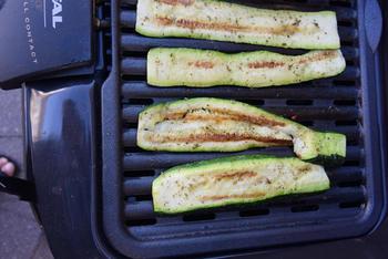 Gegrilde courgette, aardappel en biefstuk met champignons 7