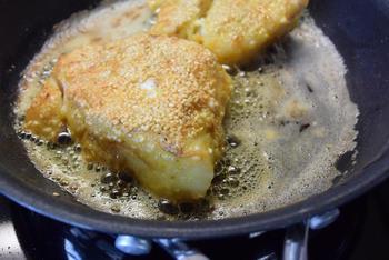 Kabeljauw in sesamkorst met tartaarsaus en broccoli 7