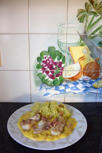 Kabeljauwhaasje met savooikoolstampot en eiersaus met garnalen 7