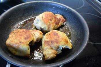 Kippenkoteletjes met tomaten 6