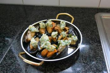 Mosselen met kruidenboter in de oven 6