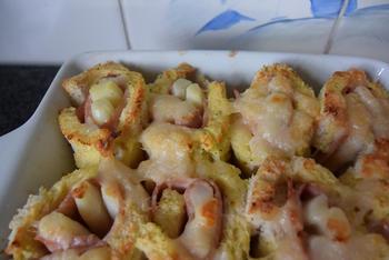 Ovenschotel met gevulde broodrolletjes van asperges en ham 9