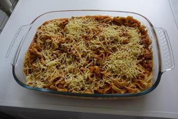 Ovenschotel van pasta, gehakt en tomatensaus 6