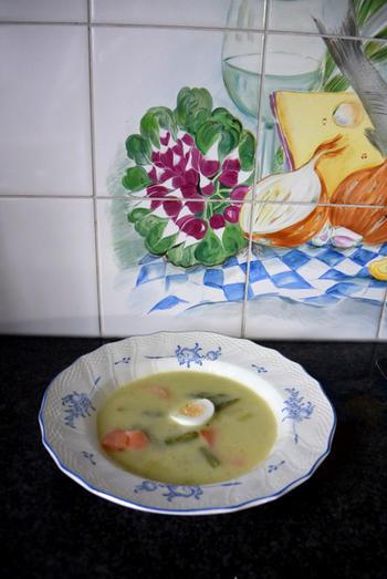 Paassoep met asperges, gerookte zalm en ei 4