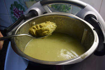 Thermomixrecept: bloemkoolsoep met courgette en mosterd 3