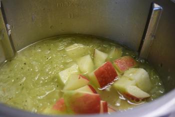 Thermomixrecept: romige soep met spinazie, courgette en appel. 5