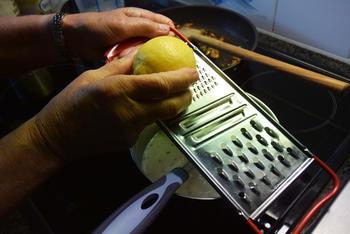 Warm vispannetje met paddenstoelen onder deegkorst 6