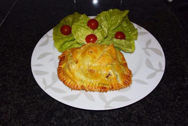 Bladerdeeg gebakje met spinazie en konijnfilets 1