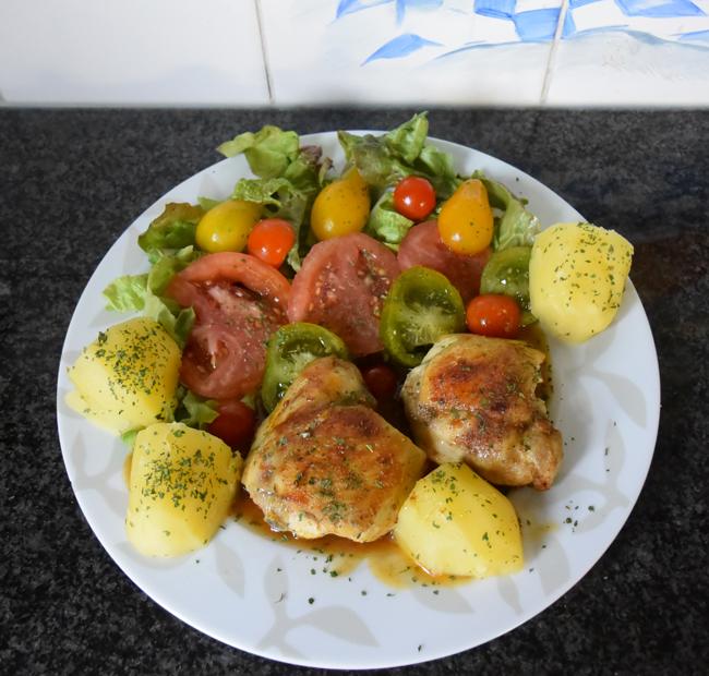 Kippenkoteletjes met tomaten 1