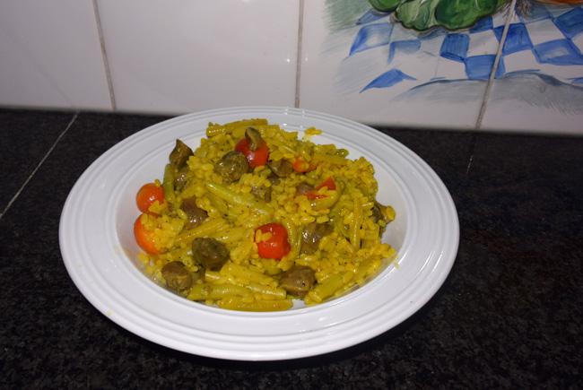 Gestoofde kippenmaagjes met rijst en prinsesboontjes 1