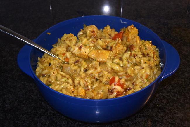 Smeuïge rijst met kipfilet en tomaat 1