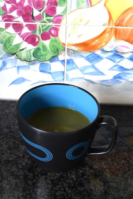 Soep met spinazie, courgette en appel. 1