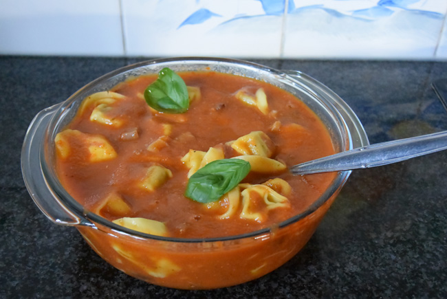 Tortelloni met tomatensaus 1
