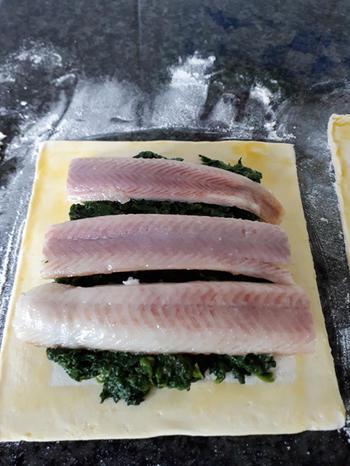 Flapje met spinazie en gerookte vis 4