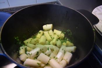 Kip in de oven met gestoofde asperges en aardappelpuree 6