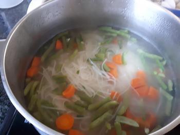 Noedels met groentjes en vongole (venusschelpen) 5