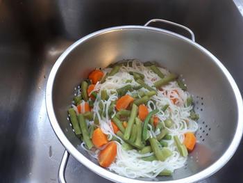 Noedels met groentjes en vongole (venusschelpen) 6