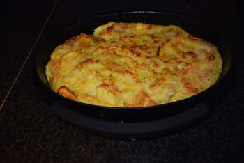 Ovenschotel van Strascinati colorati met kaassaus en Italiaans ham 2
