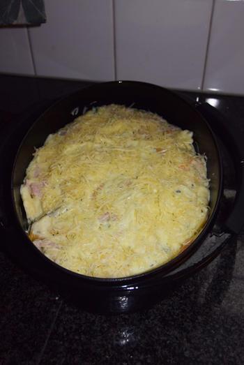 Ovenschotel van Strascinati colorati met kaassaus en Italiaans ham 5