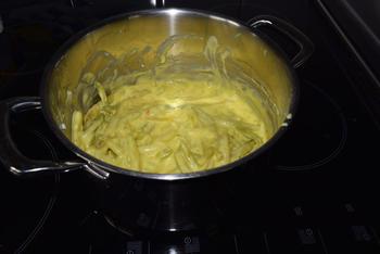 Skrei of kabeljauw met boterboontjes en zure eiersaus 4