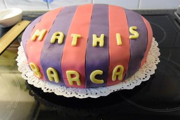 Verjaardagstaart 7 jaar: van biscuit, boterroom en suikerglazuur 7