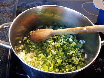 Vlugge, vegetarische bouillonsoep 4