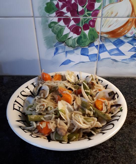 Noedels met groentjes en vongole (venusschelpen) 1