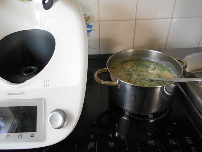 Thermomixrecept: Knolseldersoep met appel en currypoeder 1