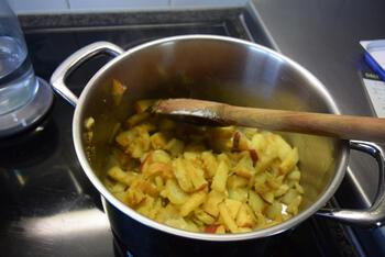 Eenvoudige currysaus 4