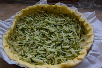 Eenvoudige quiche met mascarpone en courgette 5