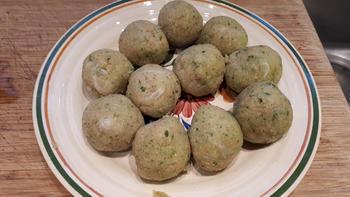 Eenvoudige visballetjes (visköfte, -kefta of –keftedes) met mosterdsaus en kappertjes 5