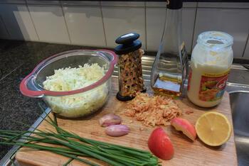 Frisse, witte koolsla met appel en mayonaise 2