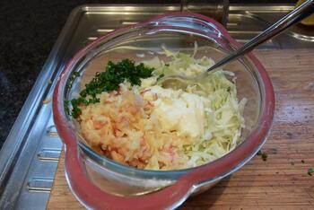 Frisse, witte koolsla met appel en mayonaise 3
