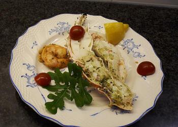 Gemarineerde king crab poten, scampi en avocadomousse 5