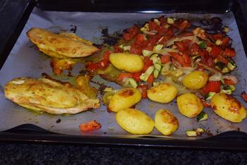 Gevulde kipfilet met groentjes in de oven 8
