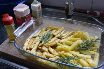 Knolselder en aardappelen uit de oven. 4