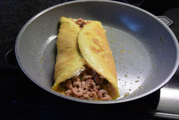 Omelet met garnalen  en kaas 6