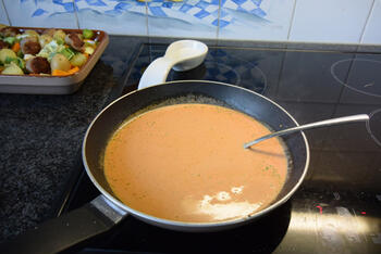 Ovenschotel van pompoen, prei, aardappeltjes en braadworst 7