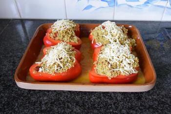 Paprika gevuld met bulgur en gehakt 8