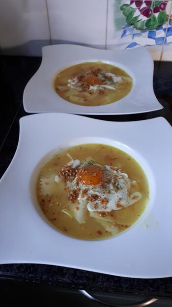Pasta in kaasbouillon en spiegelei 5