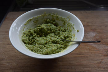 Pasta met asperges, erwten en hazelnootpesto 3
