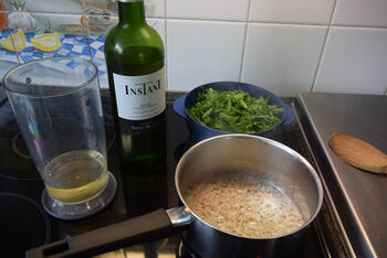 Rogvleugelrolletjes met ham en rucola- of paprikasaus 5