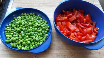 Tomatensoep met paprika en erwten. 2