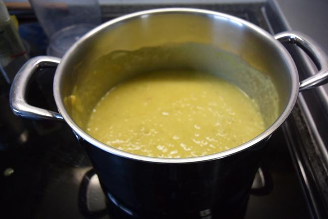 Eenvoudige currysaus 1