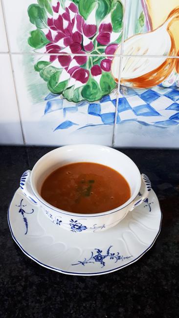 Linzensoep met tomaat en curry 1
