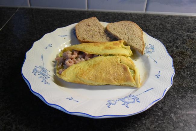 Omelet met garnalen  en kaas 1